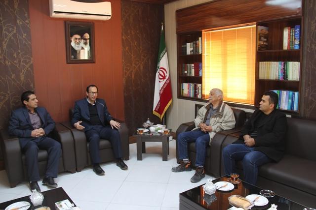 نشست کاری فرماندار با  مدیران شرکت ریبار