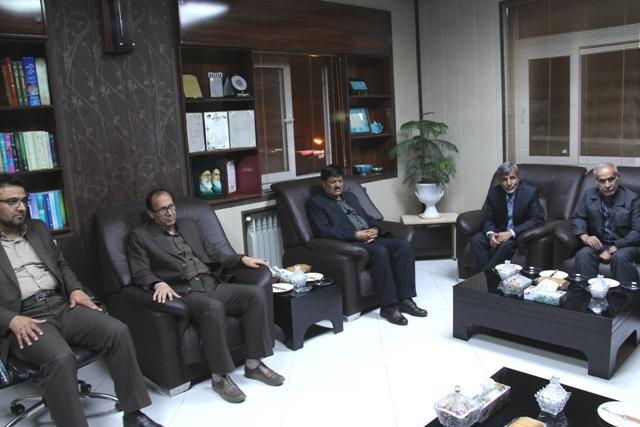di-MC5T فرماندار در دیدار با سرپرست شبکه بهداشت تأکید کرد  لزوم ورود خیرین برای حل مشکلات بهداشتی- درمانی قاینات