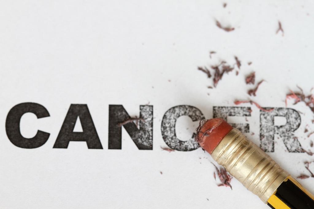 شعارسالروز جهانی سرطان 1-7 بهمن 95 سرطان قابل پیشگیری و درمان است با خود مراقبتی و امید