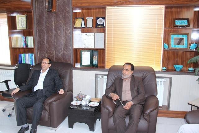 دیدار فرماندار با مدیر کل نهادهای کتابخانههای استان