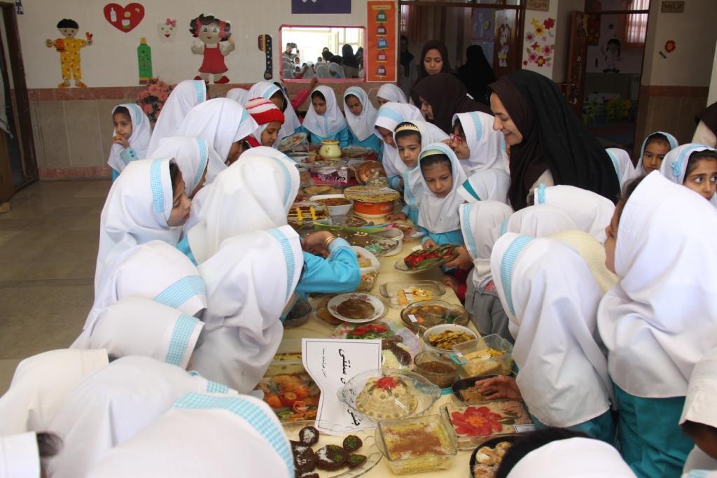 di-U47U گرامیداشت روز جهانی غذا در مدارس دخترانه سما