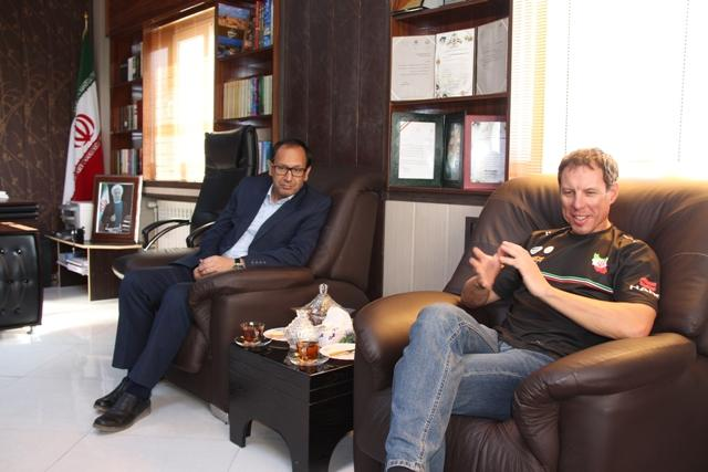 di-XWEQ دیدار فرماندار با سرمربی تیم ملی دوچرخهسواری کوهستان